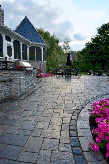 Maplecliff Dr., Avon Lake, Ohio – Outdoor Kitchen With Delightful Paver Patio