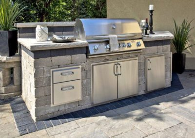 Lakewood, Ohio – Outdoor Kitchen With Accents Trim Adds A Touch Of Sophistication