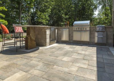 Broadview Heights, Ohio – Outdoor Kitchen With Bar Seating
