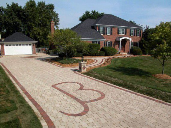 Beachwood, Ohio – Customized Paver Driveway