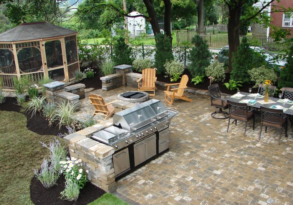 Outdoor Kitchen Photos to Inspire